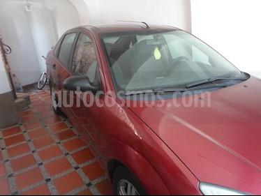 Ford Focus SE usado (2001) color Rojo precio u$s1.900