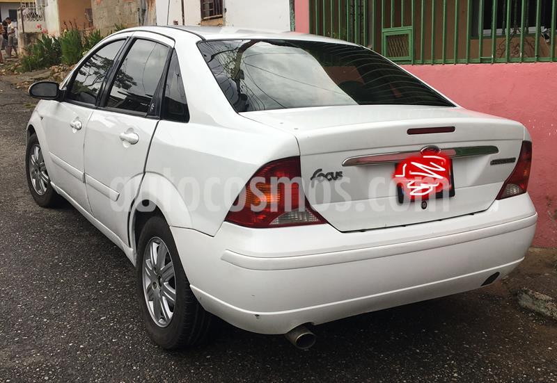 Ford Focus ZTS usado (2006) color Blanco precio u$s1.800