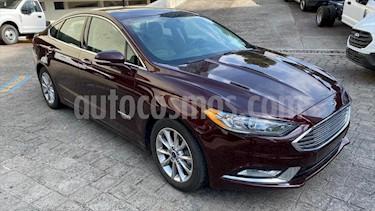 Foto Ford Fusion SE LUX Hibrido usado (2017) color Rojo precio $359,000