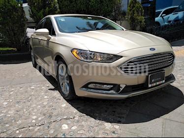 Ford Fusion SE LUX Hibrido usado (2017) color Oro Blanco precio $335,000