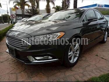 Ford Fusion SE LUX Hibrido usado (2018) color Gris Oscuro precio $534,000