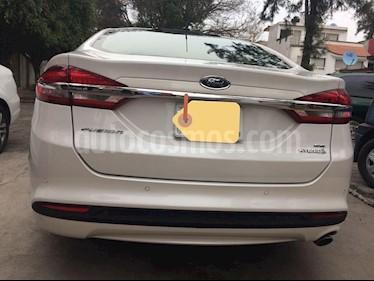 Ford Fusion SE Hibrido usado (2017) color Oro Blanco precio $314,999