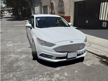 Ford Fusion SE Hibrido usado (2017) color Blanco precio $315,000