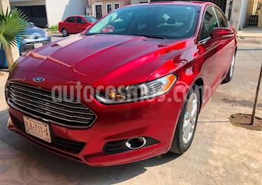 Ford Fusion SE usado (2016) color Rojo Rubi precio $254,000