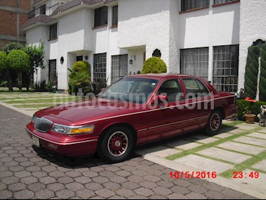 Ford Grand Marquis 4.6 Premium usado (1995) color Purpura precio $120,000