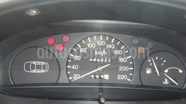 Foto venta Auto usado Ford Ikon 1.6 Base  (2002) color Plata precio $40,000