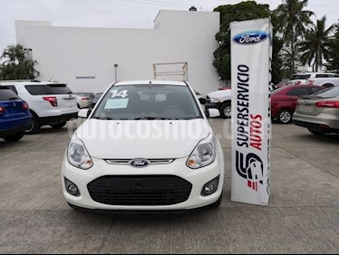 Foto venta Auto usado Ford Ikon 4 PTS. TREND COMFORT, TM5, A/AC., VE, RA (2014) color Blanco precio $110,000