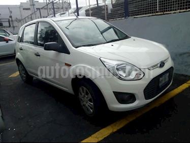 Ford Ikon Ambiente Ac usado (2014) color Blanco precio $105,800
