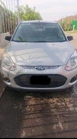 Foto venta Auto usado Ford Ikon Ambiente Ac (2013) color Plata precio $85,000