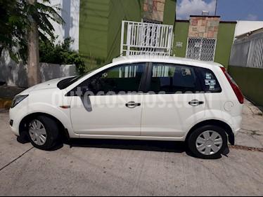 Ford Ikon Ambiente Ac usado (2012) color Blanco precio $78,000