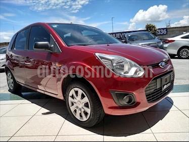 Ford Ikon Ambiente usado (2014) color Rojo precio $109,000