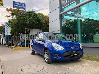Ford Ikon Ambiente Ac usado (2015) color Azul Electrico precio $115,000