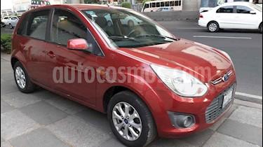 Foto Ford Ikon Trend usado (2015) color Rojo precio $118,000