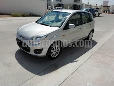 Ford Ikon Trend usado (2014) color Plata precio $105,000