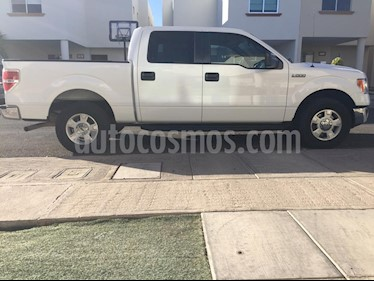 Foto Ford Lobo Doble Cabina XLT 4x2 V8 usado (2014) color Blanco Oxford precio $298,000