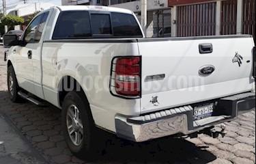 Ford Lobo Cabina Regular XLT 4x2 V8 usado (2006) color Blanco Platinado precio $170,000