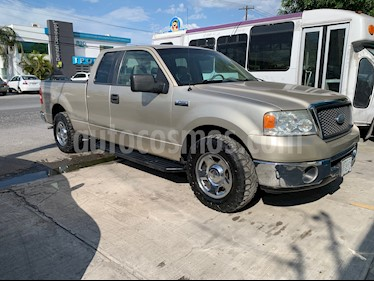 Foto venta Auto usado Ford Lobo XLT 4x2 Cabina Media (2007) color Oro precio $145,000