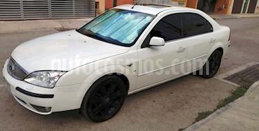 Ford Mondeo 2.5 Ghia V6 usado (2005) color Blanco precio $50,000