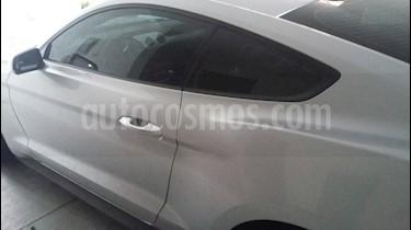 Foto venta Auto usado Ford Mustang Coupe 3.7L V6 Aut (2017) color Plata precio $385,000