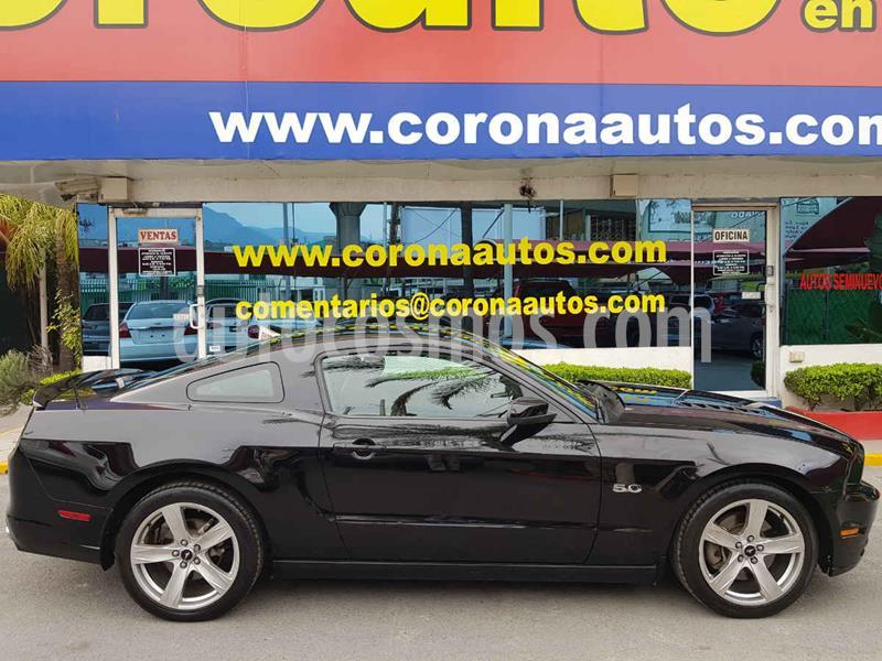 Ford Mustang GT Equipado 5.0L V8 Aut usado (2014) color Negro precio $329,900