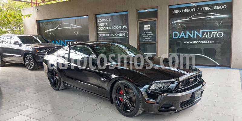 Ford Mustang GT 5.0L V8 usado (2013) color Negro precio $299,000