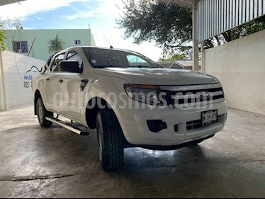 Ford Ranger Limited 4x2 Cabina Doble usado (2015) color Blanco precio $230,000