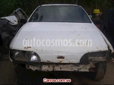 Foto venta carro usado Ford Sierra 300 CS V6 2.8 (1988) color Blanco precio u$s200