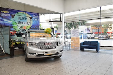 Foto venta Auto usado GMC Acadia Denali (2018) color Plata precio $679,000