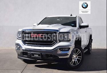 Foto venta Auto usado GMC Sierra Cabina Regular Paq B 4x4 (2017) color Blanco precio $570,000