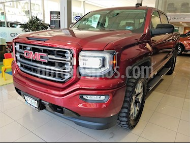 Foto venta Auto usado GMC Sierra Crew Cabina All Terrain 4x4 (2017) color Rojo precio $699,000