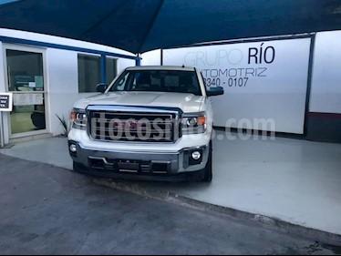 Foto venta Auto usado GMC Sierra Crew Cabina Paq B 4x4 (2014) color Blanco precio $498,000