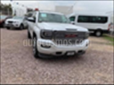 GMC Sierra Denali DVD usado (2018) color Blanco precio $811,000