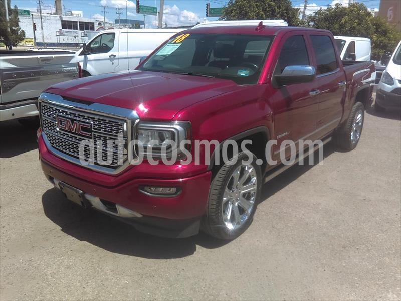 GMC Sierra Denali usado (2018) color Rojo precio $725,000