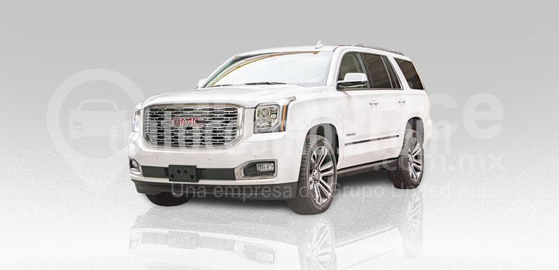 GMC Yukon Denali AWD usado (2019) color Blanco precio $1,100,000