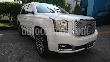 GMC Yukon Denali usado (2017) color Blanco precio $710,000