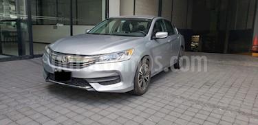 Foto venta Auto usado Honda Accord 4p LX Sedan L4/2.4 Aut (2017) color Plata precio $305,000