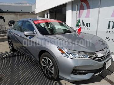 Foto venta Auto Seminuevo Honda Accord EX 3.5L (2017) color Plata precio $432,000