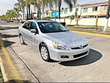 Foto venta Auto Seminuevo Honda Accord EX (2006) color Plata precio $64,000