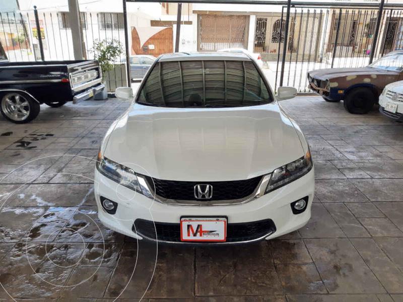 Foto Honda Accord Coupe EX 3.5L usado (2014) color Blanco precio $235,000