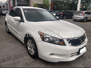 Honda Accord 4P LX L4 TA CD RA-16 usado (2010) color Blanco precio $130,000