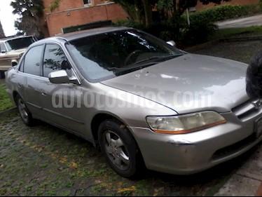 Honda Accord EX usado (1999) color Plata precio u$s1.200