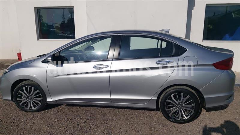 Honda City EX 1.5L Aut usado (2018) color Gris Oscuro precio $250,000