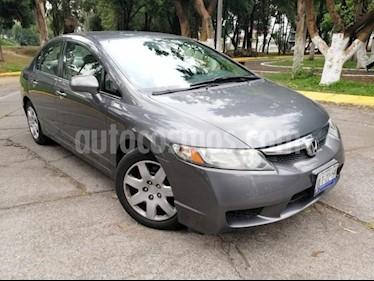 Foto venta Auto usado Honda Civic 4p LX Sedan 5 Vel (2011) color Gris precio $130,000