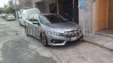 Foto Honda Civic i-Style Aut usado (2018) color Plata Diamante precio $330,000