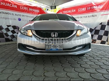 Foto venta Auto usado Honda Civic LX 1.8L Aut (2013) color Plata precio $160,000