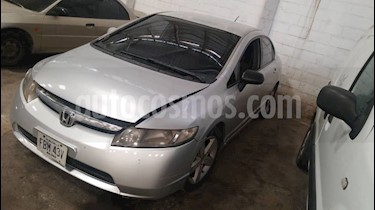 Honda Civic Emotion LXS 1.8L usado (2007) color Plata precio u$s2.800