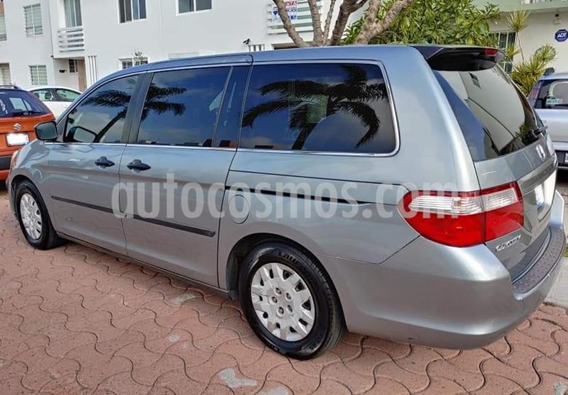Honda Odyssey LX usado (2007) color Verde Oliva precio $95,000
