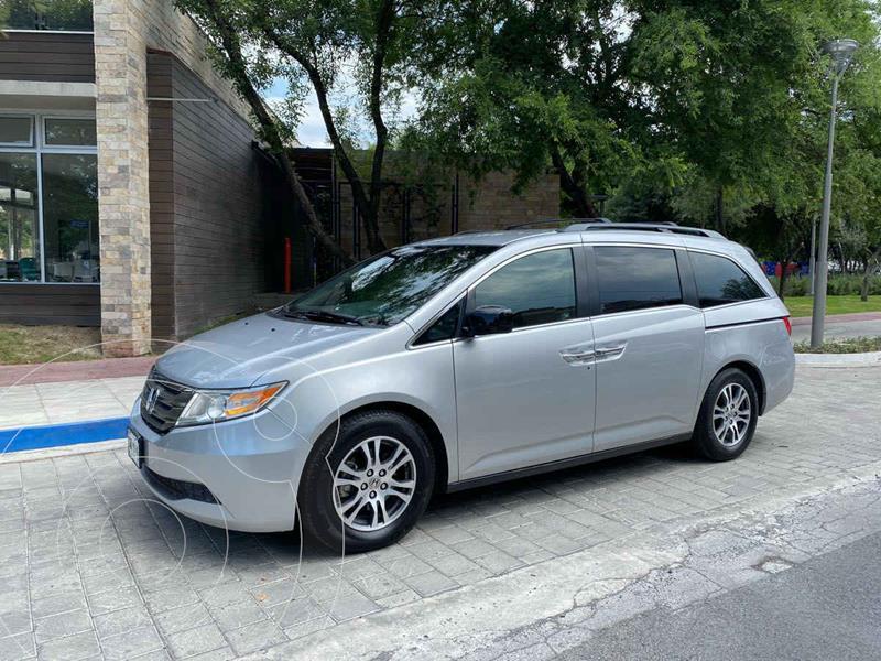 Foto Honda Odyssey EXL usado (2011) color Plata precio $239,900