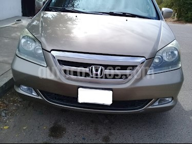 Foto Honda Odyssey Touring usado (2005) color Oro precio $110,000
