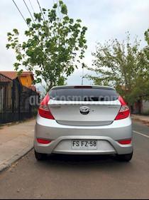 Hyundai Accent HB 1.4 GLS 5P  usado (2013) color Plata precio $5.000.000